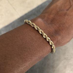 Jewelry - Goldtone Robe Bracelet
